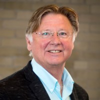 Dr. Lyle Oberg